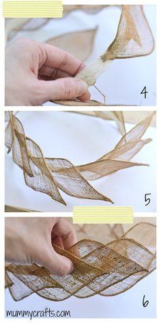 Coser los pétalos dela flor de sinamay a la base del tocado