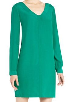 been looking for a dress like this!!! Green V Neck Long Sleeve Loose Chiffon Dress