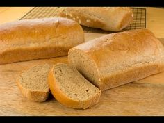 Easy Honey Whole wheat bread can be very dense and dry but that is not the case with this recipe. This whole wheat bread recipe is soft, moist and tasty! White Wheat Bread, 100 Whole Wheat Bread, Whole Wheat Rolls, Protein Lunch, Wheat Bread Recipe, No Bread Diet, Healthy Bread Recipes, Rolls Recipe, Bread Rolls