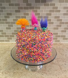 Trolls sprinkle birthday cake Trolls Birthday Party, Troll Party, Frozen Birthday, Birthday Party Themes, 2nd Birthday, Birthday Cakes, Poppy Cake, Sparkle Cake, Dessert For Dinner
