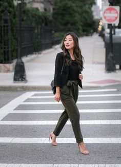 black blazer + olive bow tie drape pants // petite street style outfits