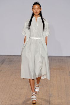 Such a beautiful shape and love the belting and shoes.   Nicole Farhi Spring 2013 RTW