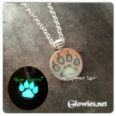 Glowies.net - Glowing Wolf Paw Silver Necklace