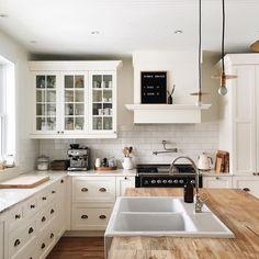 Homey kitchen, kitchen fan, kitchen layout, neutral kitchen, rustic white k Homey Kitchen, Scandinavian Kitchen, Home Decor Kitchen, Kitchen Interior, New Kitchen, Neutral Kitchen, Kitchen White, Kitchen Ideas, Kitchen Sinks