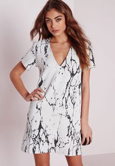 Missguided - Plunge Short Sleeve Knitted Shift dress White/Black Marble