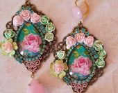 Boucles romantiques et rose pimpant et bleu turquoise : Boucles d'oreille par lorenza
