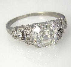 Art Deco Antique Vintage GIA Asscher Cut Diamond Engagement Ring in… Antique Rings, Vintage Rings, Antique Jewelry, Vintage Jewelry, Vintage Art, Antique Art, Bijoux Art Deco, Art Deco Jewelry, Fine Jewelry