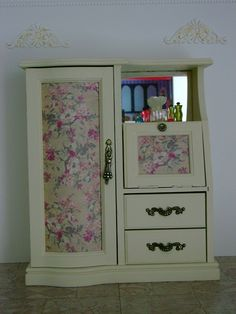 Jewelry box transformed to wardrobe, walnut stained jewelry box, primed white then painted antique white. Clear plastic was covered with scrapbook paper. By WANDY in Pensacola Old Jewelry, Jewelry Box, Wooden Jewelry, Barbie Furniture, Dollhouse Furniture, Barbie Doll House, Barbie Dolls, Doll Crafts, Diy Doll