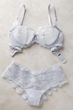 909e69739889 calcinha grande, sutiã, renda, branco #Swimsuit/LingerieModels Delicate  Lingerie, Lace