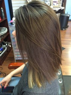 Asymmetrical long bob (Azra)