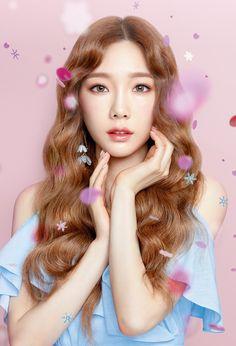 Girls Generation, Girls' Generation Taeyeon, Sooyoung, Yoona Snsd, Yuri, Taeyeon Fashion, Pretty Korean Girls, Kim Tae Yeon, Girls Hand