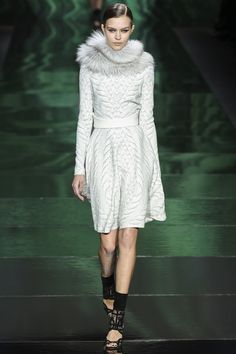 Monique Lhuillier Fall 2013 Ready-to-Wear Collection Photos - Vogue