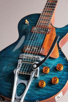 Une incroyable création de chez Craft Guitar. Retrouvez des cours de guitare d'un nouveau genre sur MyMusicTeacher.fr #customguitars #electricguitar
