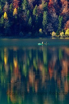 Like an impressionist painting the lake reflects those fantastic autumn colours from the forest, while the two fishermen provide an great subject. Impressionist Paintings, Two Men, Northern Lights, Colours, Landscapes, Photography, Travel, Outdoor, Rowing