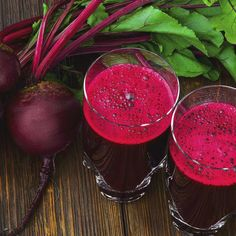 Beetroots are one of the healthiest foods you can juice, hands down. If you have not ever tried beetroot juice, now is the time to start. Beetroot were regarded by many ancient cultures not as food but as medicine, a testimony to their potency. Planting Vegetables, Root Vegetables, Sauteed Beet Greens, Pickled Beets Recipe, Alkalize Your Body, Beet Smoothie, Smoothies, Best Burger Recipe, Cooking Beets