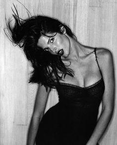 Stephanie Seymour by Juergen Teller for US Vogue September 1994 #editorial #boudoir