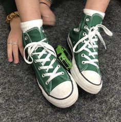 Converse Haute, Mode Converse, Sneakers Mode, Sneakers Fashion, Green Sneakers, Converse Shoes Outfit, Converse Style, Green Trainers, Converse Sneakers