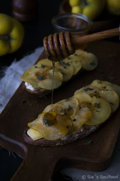 Tartines mit Brie und karamelisierten Quitten I Tartines with brie and caramelized quince I Sia´s Soulfood