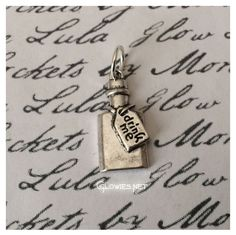 Use this charm to create a whimsical Alice in Wonderland inspired Glowies ™ necklace! Can be used for necklaces, bracelets, anything you can slide the charm on! Comes on nice big jump ring that can sl