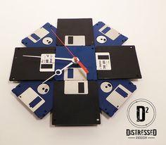 Floppy Disk Clock  3.5 Diskettes | Criação de Sites |  Construção de Sites | Web Design | Manutenção | SEO | Portugal | Algarve - http://www.novaimagem.co.pt