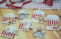 tags natalose con gesetto profumato