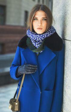 Пальто с меховым воротником: носить или не носить?