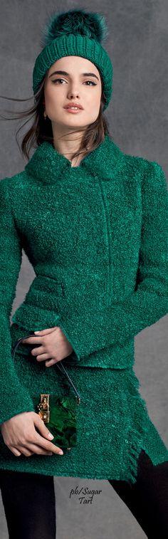 #Farbbberatung #Stilberatung #Farbenreich mit Dolce & Gabbana W-16: green jacket & mini skirt set, beanie, purse.