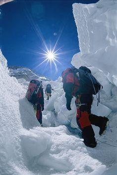 ✮ Climbers ascend the Khumbu Ice Fall of Mount Everest, Nepal