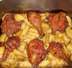3 csirkecomb, 1 kg burgonya, néhány fűszer, hogy mi lett belőle, az fantasztikus! Korean Chicken Wings, Romanian Food, Hungarian Recipes, Cooking Recipes, Healthy Recipes, Getting Hungry, Chicken Recipes, Bacon, Food Porn