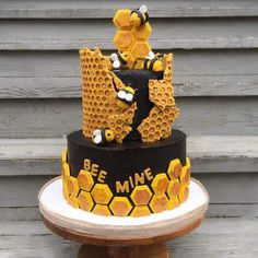 Cake Designs Images, Cool Cake Designs, Mini Cakes, Cupcake Cakes, Cupcakes, Bee Hive Cake, Bee Birthday Cake, Bee Cakes, Cake Craft