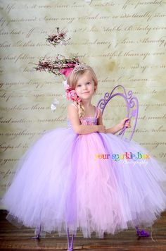 Rapunzel tutu dress by Your Sparkle Box . I will be getting this for my daughter before our disney trip next year! Rapunzel Costume, Tutu Costumes, Rapunzel Dress, Costume Ideas, Olaf Costume, Kids Tutu, Tutus For Girls, Little Princess, Halloween Dress