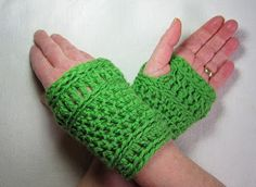 Mr. Micawber's Recipe for Happiness: Wickerwork Mitts ~ Crochet Pattern and Phototutorial