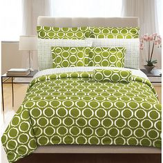 A white scroll design is set on a green background on this duvet cover set. This bedding set is crafted of breathable cotton. Full Size Duvet Cover, Queen Size Duvet Covers, Duvet Cover Sets, Comforter Sets, Green Bedding, Bedroom Decor, Master Bedroom, Bedroom Ideas, Bedroom Inspiration