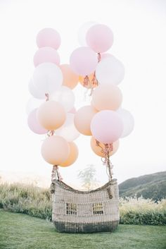 great photo stop for a garden birthday , anniversary , wedding or valentines party or promotional event or fair to make Outdoor Wedding Decor, Hot Air Balloon Basket as an alternative to the traditional photo booth. Diy Hot Air Balloons, Giant Balloons, White Balloons, Wedding Balloon Decorations, Wedding Balloons, Outdoor Decorations, Birthday Decorations, Deco Ballon, Balloon Basket