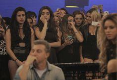 Fãs do Fifth Harmony choram por estar perto do grupo (Foto: Inácio Moraes / Gshow)