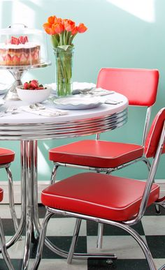 Red, white and Chrome Retro Table and Chairs set Dining Kitchen