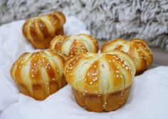 Muffin, Pretzel Bites, Bread, Baking, Vegetables, Breakfast, Food, Honey, Kitchen