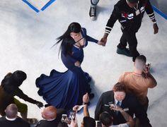 No this is not a Renaissance painting. Just Nicki Minaj slaying a white carpet