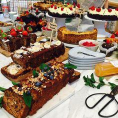 #sweetcorner #sweethearts #marble #plukamsterdam #bananabread #applepie #carrotcake #pluk