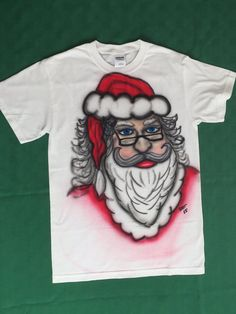 Santa Claus / St. Nick Airbrushed Christmas T-shirt 50% Cotton/50% Polyester Size Small