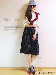 ガーリーな秋コーデ♡  ボリュームのある ミモレスカートを綺麗に見せるために INGNIのシンプルなブラウスをイン  カーディガンと パンプスはボルドーで♡   (ボルドーばっかですみませんw)   スパイスカラーとして 中折れハットやソックスをグレーに    ♡♡♡Today's Point♡♡♡  フレアスカートはこれ http://tiffee.ocnk.net/phone/product/457   カーディガンはこれ http://tiffee.ocnk.net/phone/product/103   腕時計はこれ http://tiffee.ocnk.net/phone/product/456    それでは\(//∇//)\     WEAR http://wear.jp/tiffee/   instagram http://instagram.com/tiffeestore/
