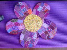 El Floron. Una Florecilla preciosa de 40x40 más o menos. Ideal para la habitación de una niña o un niño. www.Cuadritosdecolores.bigcartel.com