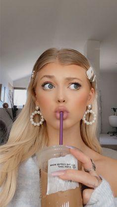 Model Photoshoot Poses, Sweet Makeup, Grey Makeup, Loren Gray, Stylish Girl Images, Beautiful Lips, Girls Image, Makeup Looks, Instagram