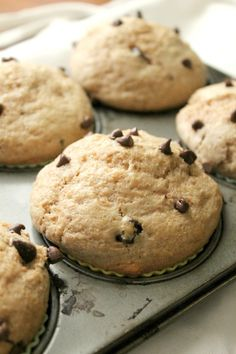 Natural Chow | Whole Wheat Chocolate Chip Muffins | http://naturalchow.com
