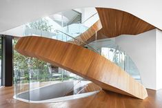 Professionals in staircase design, construction and stairs installation. In addition EeStairs offers design services on stairs and balustrades.Check out our work >> Staircase Pictures, Wood Staircase, Floating Staircase, Spiral Staircases, Staircase Ideas, Interior Design Magazine, Home Stairs Design, House Design, Stair Design