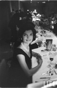 Jackie Kennedy Date taken:1960 Photographer:Edward Clark ♡❁❤❤❤❤✿♡ http://en.wikipedia.org/wiki/Jacqueline_Kennedy_Onassis