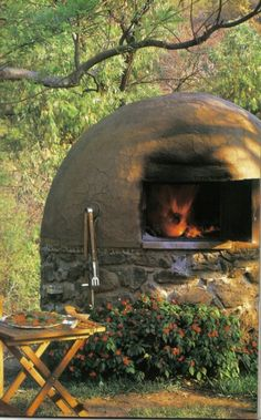Horno de barro Wood Fired Oven, Wood Fired Pizza, Pizza Oven Outdoor, Outdoor Cooking, Clay Oven, Grill Oven, Four A Pizza, Outside Patio, Rocket Stoves