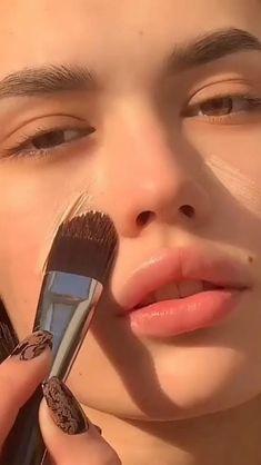 Edgy Makeup, Glamour Makeup, Eye Makeup Art, Skin Makeup, Glow Makeup, Highlighter Makeup, Easy Eye Makeup, Dewy Makeup Look, Elegant Makeup