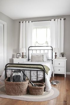 Boys' Bedroom Makeover Part This teenage boy's bedroom is just the right mixture of masculine, simple and cozy. Boys' Bedroom Makeover Part 1 Modern Farmhouse Bedroom, Modern Bedroom, Farmhouse Ideas, Farmhouse Design, Farmhouse Decor, Colonial Bedroom, Contemporary Bedroom, Country Decor, Country Style