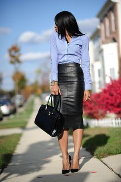 50 Leather Skirt Outfit Ideas For Every Fashionista Long Skirt Outfits, Pencil Skirt Outfits, Winter Skirt Outfit, Pencil Dresses, Long Skirts, Pencil Skirts, Long Leather Skirt, Black Leather Skirts, Office Fashion